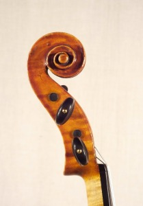 scroll-profile_violin_o-GT+-1920